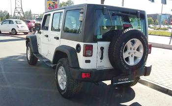 Jeep Wrangler UNLIMITED SPORT 2,8 CRD A5 200 - 4